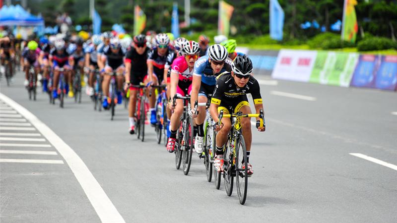 见证冠军荣耀时刻 中国自行车联赛总决赛